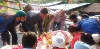 Muslims mourn death of elderly Sikh man in North Kashmir